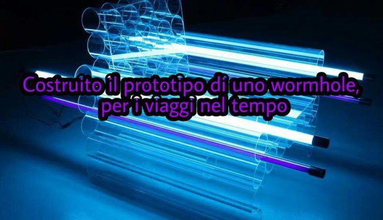 Macchina del tempo sperimentata a Napoli? Il prototipo di uno wormhole è un modello analogico