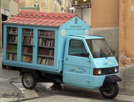 Risultati immagini per foto Il bibliomotocarro